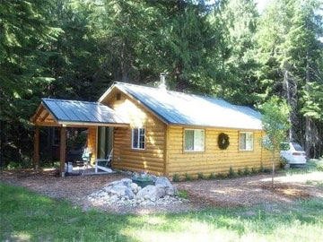 Cozy Creekside Cabin Chattaroy Washington
