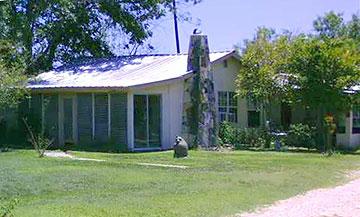 Arrowhead Guest Houses Camp Wood Texas