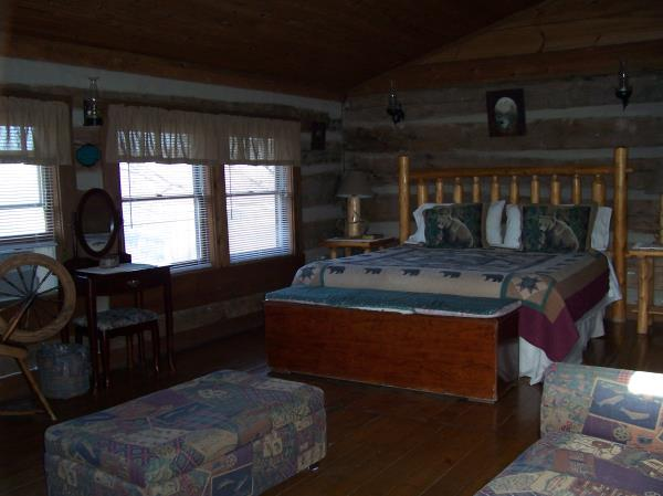 Authentic Pioneer Log Cabin Gatlinburg Tennessee