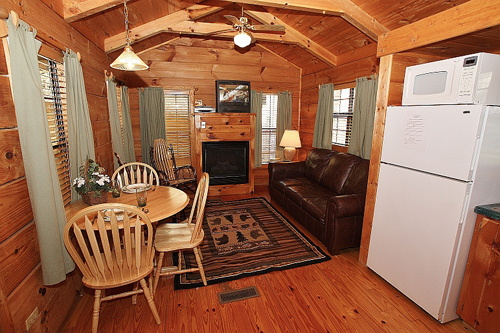 Stone creek cabin in gatlinburg tennessee for Stone creek cabins