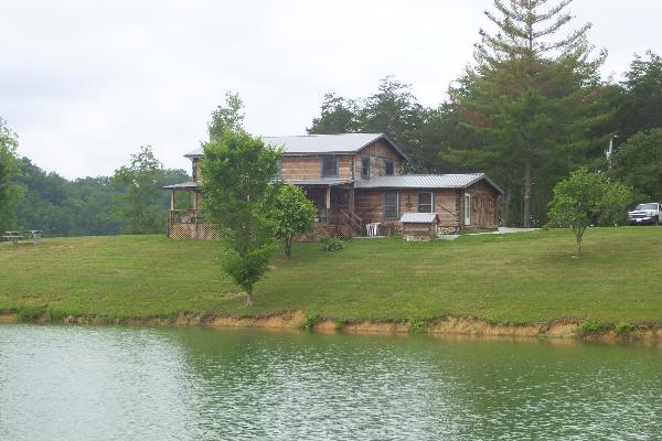 lakefront cabin rentals cabin in douglas lake tennessee